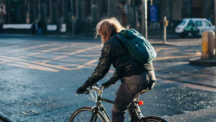 Advantages-of-Performance-Hybrid-Bikes-on-CivicDaily
