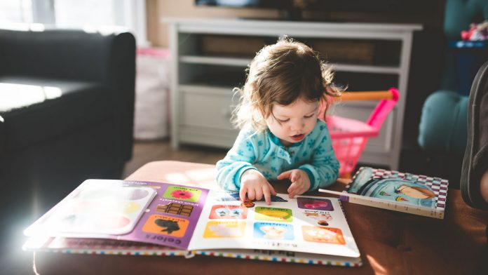 Gadgets-That-Help-You-to-Track-Every-Step-of-Your-Baby-on-civicdaily