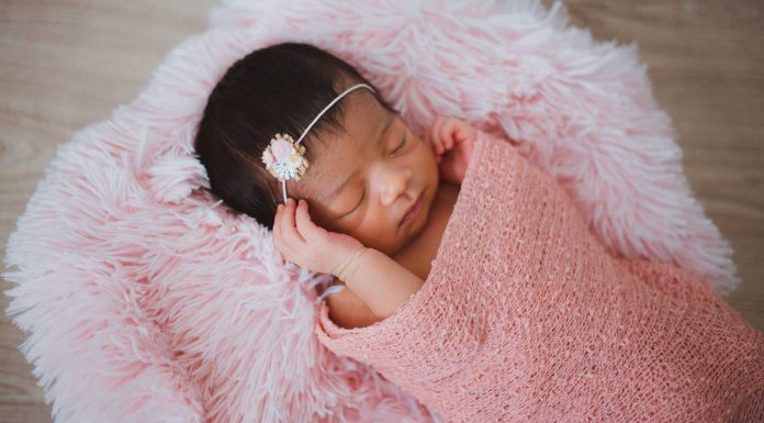 Tips-to-Select-Skincare-Items-for-the-Newborn-Baby-on-civicdaily