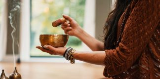 A-Singing-Bowl-The-Amazing-Benefits-of-Using-It-on-civicdaily