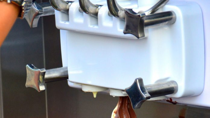 Best-Ways-to-Repair-Your-Ice-Maker-with-Ease-on-civicdaily