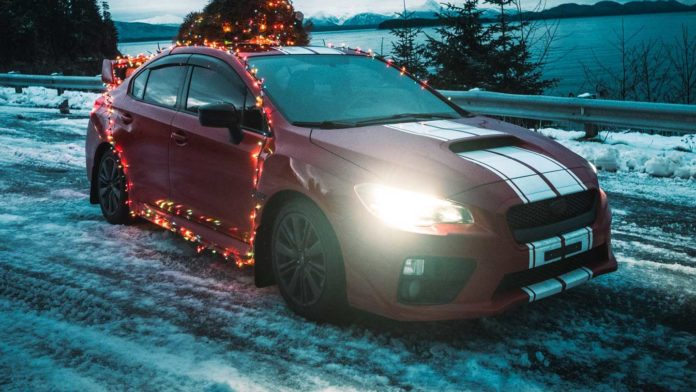 Hire-a-Limo-to-Celebrate-Christmas-in-a-Unique-Way-on-civicdaily