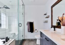 Some-Ideas-to-Make-Great-Log-Cabin-Bathrooms-on-civicdaily