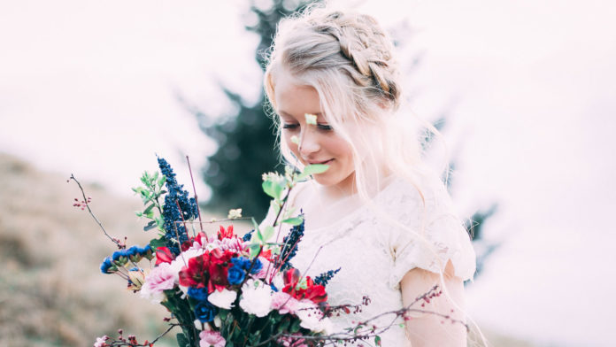 Best-Hairstyle-Trend-for-the-Wedding-Bride,-Bridesmaid-on-civicdaily
